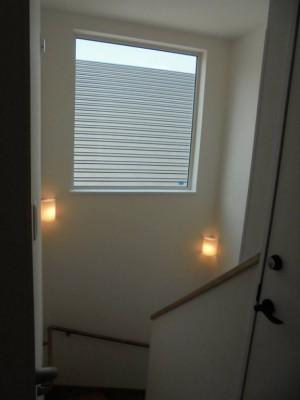 24 2階から1階への階段